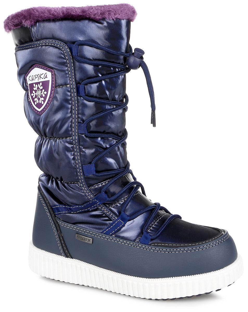 Дутики43154-1Стильные дутики для девочки Kapika, изготовленные из современных материалов, обеспечат удобство и комфорт ножкам вашей малышки в прохладную погоду. Застежка-молния расположена на боковой стороне. Объем регулируется за счет шнурка с бегунком. Модель в нижней части выполнена из искусственной кожи, а голенище - из высококачественного водоотталкивающего текстиля. Подкладка и стелька изготовлены из шерстяного меха, а также имеется прослойка из мембранных материалов. Боковая сторона украшена фирменным логотипом. Подошва выполнена из гибкого и устойчивого к истиранию полимерного термопластичного материала, а ее рифленая поверхность гарантирует отличное сцепление. Такие теплые и оригинальные дутики займут достойное место в гардеробе вашей девочки.