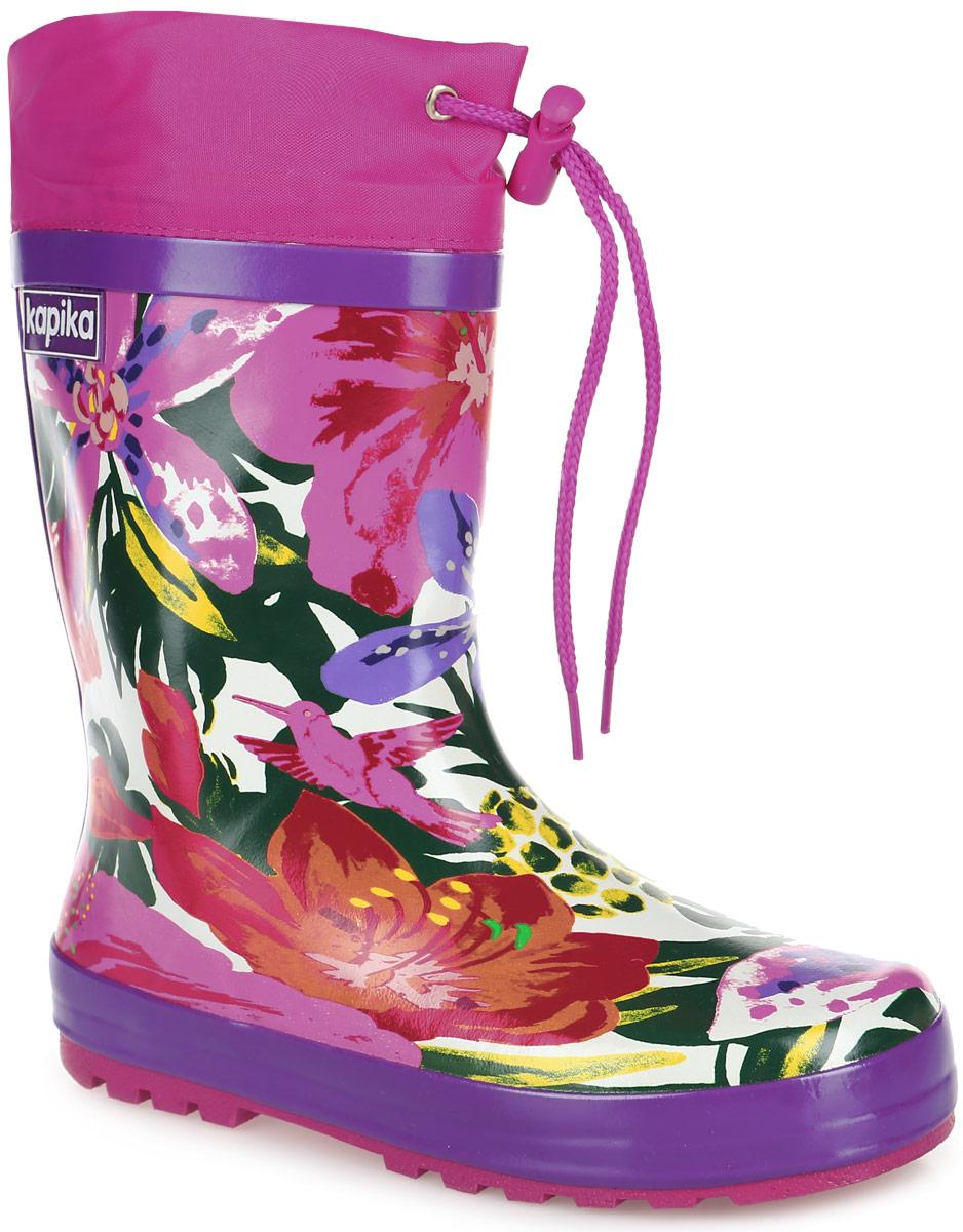 531Прелестные резиновые сапоги от Kapika превосходно защитят ноги вашей девочки от промокания в дождливый день. Сапоги выполнены из качественной резины и оформлены оригинальным принтом с изображением цветов. Сапоги дополнены утепленной текстильной подкладкой, которая обеспечивает полный уют и комфорт при носке. Также сапоги имеют текстильный верх, объем которого регулируется с помощью шнурка с бегунком. Рифленая подошва гарантирует отличное сцепление с любой поверхностью. Такие стильные и практичные резиновые сапоги займут достойное место в гардеробе вашего ребенка.