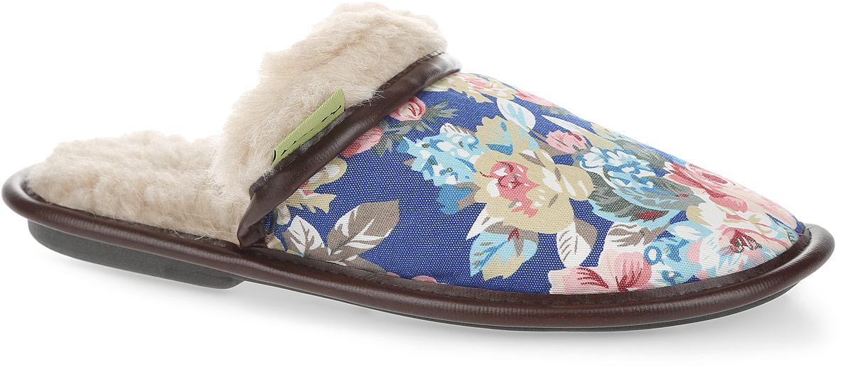 030322-1200/эпЖенские тапки Цветы от Holty не дадут вашим ногам замерзнуть. Верх модели выполнен из текстиля с цветочным принтом и дополнен окантовкой из искусственной кожи. Внутренняя поверхность и стелька из натуральной овечьей шерсти обеспечат комфорт. Содержащий в натуральной шерсти животный воск, взаимодействуя с кожей человека, благотворно влияет на мышцы и суставы. Уникальным свойством шерсти является способность поглощать влагу, свободно ее рассеивать, оставляя при этом ноги сухими. Тапки обеспечат прогрев ног сухим теплом, защитят от воздействия холода и сквозняков, и снимут усталость ног. Рельефная подошва, выполненная из материала ЭВА, обеспечивает сцепление с любой поверхностью. Материал ЭВА не пропускает и не впитывает воду. Тапки идеально подойдут для ношения в помещениях с любыми типами полов. Легкие и мягкие тапки подарят чувство уюта и комфорта.