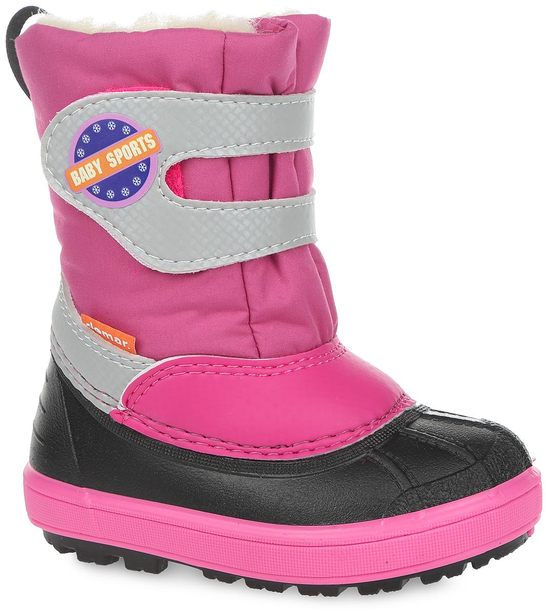 Дутики для девочки Baby Sport. 15061506 BABY SPORT AПрактичные и удобные дутики от Demar - отличный вариант на каждый день. Модель выполнена в нижней части из ПВХ (поливинилхлорида), а голенище - из современного текстильного материала, обладающего высокими износостойкими свойствами. Верх изделия оформлен ремешком на застежке-липучке, который надежно зафиксирует обувь на ноге и отрегулирует объем. Подкладка и стелька, исполненные из натуральной шерсти, согреют ножки в мороз и обеспечат уют. Светоотражающий элемент обеспечит безопасность в темное время суток. Высокая подошва, выполненная из литой резины, имеет специальное рифление, которое защищает от скольжения и сохраняет гибкость даже в значительные морозы. Удобные дутики придутся по душе вашему ребенку!