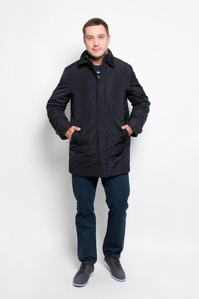 Куртка мужская. B536526B536526_Deep NavyМужская куртка Baon придаст образу безупречный стиль. Изделие выполнено из полиэстера. В качестве утеплителя используется синтепон. Удлиненная куртка прямого кроя с отложным воротником застегивается на металлические кнопки и крючок. Спереди расположены два прорезных кармана с застежками-кнопками, внутри - потайной карман на молнии. Сзади на куртке предусмотрен разрез с застежкой-кнопкой. Рукава украшены декоративными хлястиками на кнопках, а также небольшой пластиной с название бренда. Куртка дополнена внутри съемным жилетом, выполненным из полиэстера с тонкой прослойкой синтепона (100% полиэстер). Жилет пристегивается к куртке с помощью текстильных хлястиков и застежек-кнопок. Модель с воротником-стойкой застегивается на пластиковую молнию. Спереди расположены два прорезных кармана на застежка-кнопках. Жилет предназначен для дополнительного тепла, а также его можно использовать как отдельный предмет одежды. Практичная и теплая куртка послужит...