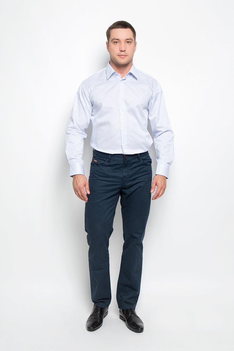 12.018594Мужская рубашка BTC выполнена из натурального хлопка. Материал изделия мягкий, тактильно приятный, не стесняет движений и хорошо пропускает воздух, обеспечивая комфорт при носке. Рубашка прямого кроя с отложным воротником и длинными рукавами застегивается спереди на пуговицы. На манжетах также предусмотрены застежки-пуговицы. Оформлено изделие принтом в полоску. Эта рубашка займет достойное место в вашем гардеробе!