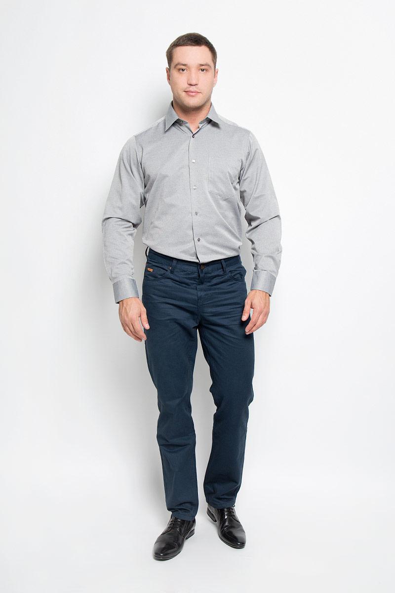Рубашка12.014877Мужская рубашка BTC выполнена из хлопка с добавлением полиэстера. Материал изделия мягкий, тактильно приятный, не стесняет движений и хорошо пропускает воздух. Рубашка прямого кроя с отложным воротником и длинными рукавами застегивается спереди на пуговицы. На манжетах также предусмотрены застежки-пуговицы. На груди расположен накладной карман. Рубашка отлично подойдет для повседневной носки, в ней вам будет удобно и комфортно!