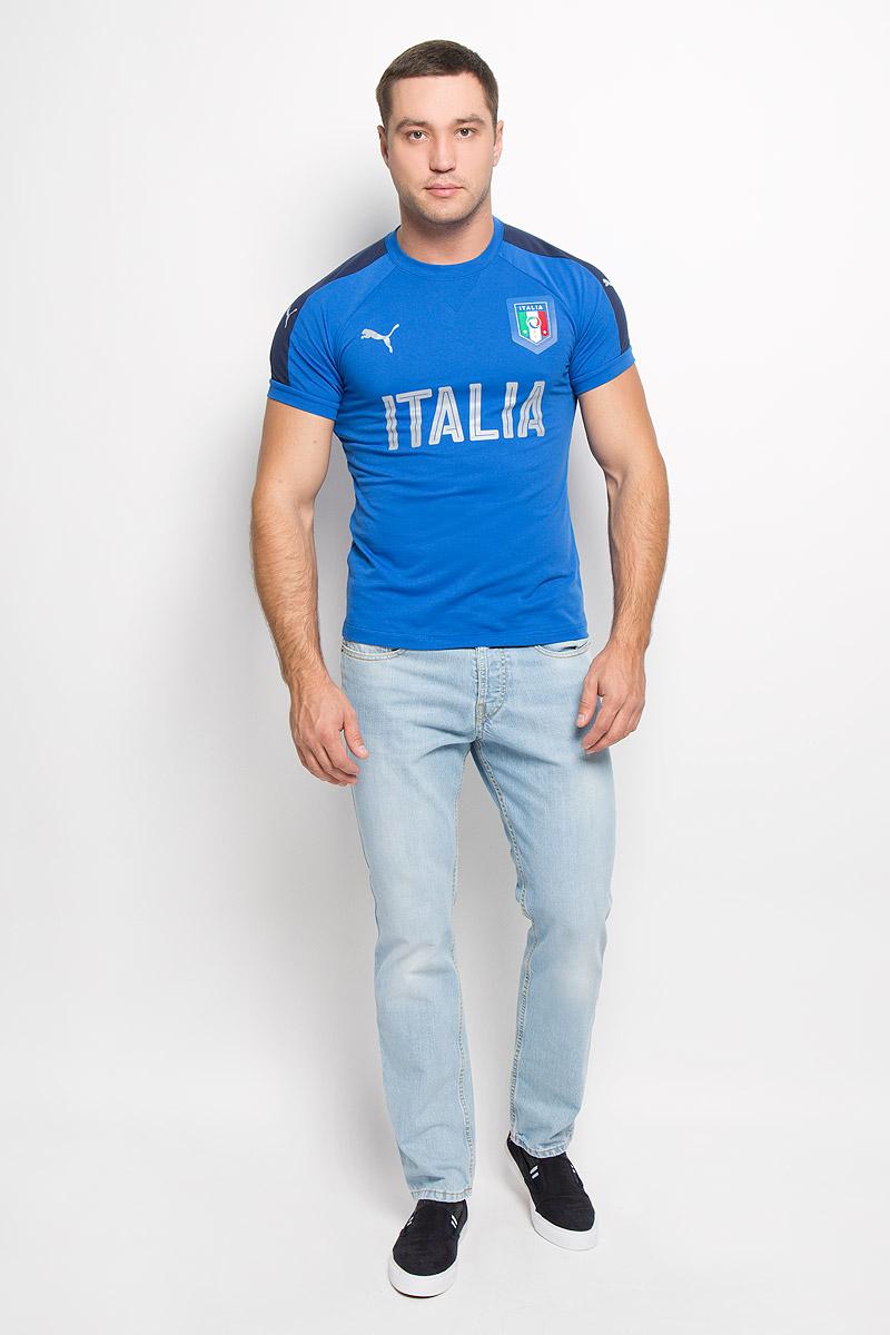 Футболка мужская FIGC Italia Casual. 7488560748856031Стильная футболка Puma FIGC Italia Casual из хлопка и полиэстера с контрастной отделкой и официальной графической эмблемой FIGC позволит почувствовать себя комфортно на тренировке и всегда быть готовым к победам. Модель с круглым вырезом горловины и рукавами-реглан дополнена светоотражающими элементами. Спинка изделия немного удлинена. Эта линия одежды - олицетворение страсти поклонников, влюбленных в успех и традиции итальянского футбола.