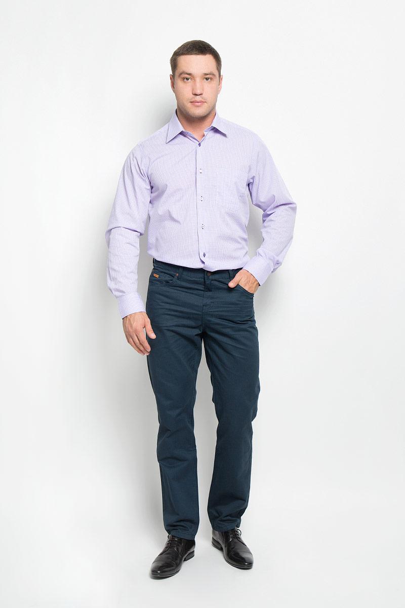 Рубашка мужская. 12.01485912.014859Мужская рубашка BTC выполнена из хлопка с добавлением полиэстера. Материал изделия мягкий, тактильно приятный, не стесняет движений и хорошо пропускает воздух, обеспечивая комфорт при носке. Рубашка прямого кроя с отложным воротником и длинными рукавами застегивается спереди на пуговицы. На манжетах также предусмотрены застежки-пуговицы. На груди расположен накладной карман. Оформлено изделие принтом в клетку. Эта рубашка займет достойное место в вашем гардеробе!