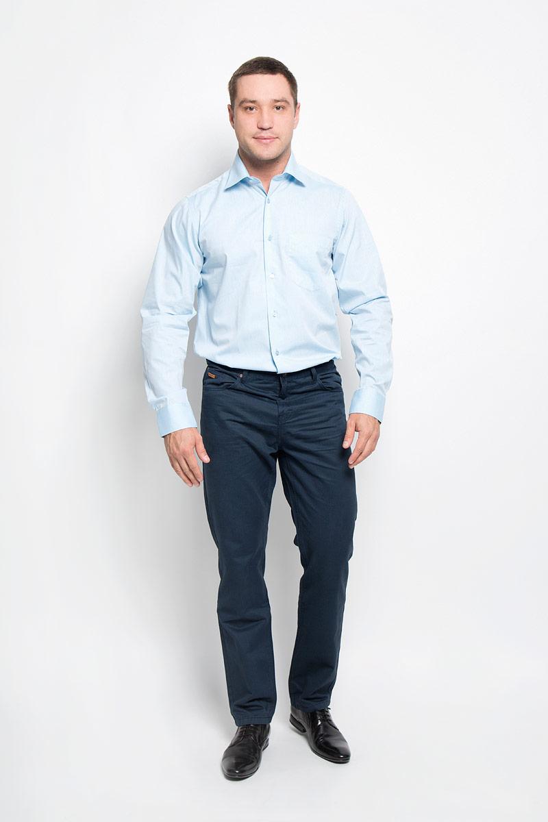 Рубашка12.016274Мужская рубашка BTC выполнена из хлопка с добавлением полиэстера. Ткань изделия мягкая и приятная на ощупь, не сковывает движения и хорошо пропускает воздух. Рубашка с отложным воротником и длинными рукавами застегивается спереди на пуговицы по всей длине. Модель имеет прямой силуэт. На манжетах предусмотрены застежки-пуговицы. Высокое качество кроя и пошива, дизайн и расцветка придают изделию неповторимый стиль и индивидуальность. Рубашка займет достойное место в вашем гардеробе!