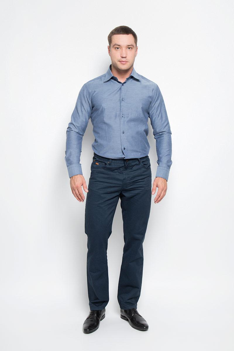 Рубашка мужская. 12.01485412.014854Мужская рубашка BTC изготовлена из натурального хлопка. Ткань изделия легкая, мягкая и приятная на ощупь, не сковывает движения и хорошо пропускает воздух. Рубашка с отложным воротником и длинными рукавами застегивается спереди на пуговицы по всей длине. Модель имеет слегка приталенный силуэт. Манжеты на рукавах также имеют застежки-пуговицы. На воротнике и манжетах предусмотрена принтованная подкладка. Такая модель будет дарить вам комфорт в течение всего дня и станет стильным дополнением к вашему гардеробу!