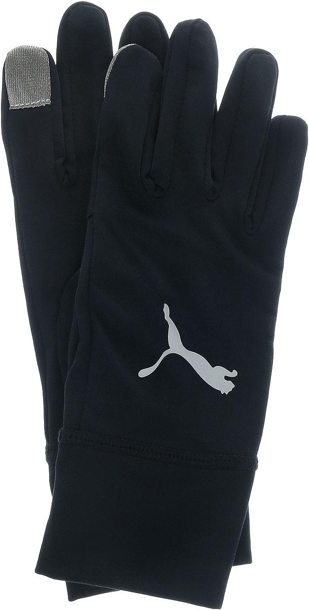 Перчатки04126706Перчатки для бега Puma Pr Performance предназначены для занятий активными видами спорта в холодную погоду. Изделие выполнено из прочного высококачественного эластичного полиэстера, на запястье дополнены эластичного резинкой для наилучшего прилегания и защиты от продувания. Перчатки для бегунов имеют специальные удлиненные манжеты из мягкого материала, а также целый ряд удобных умных приспособлений, таких как прорезь на левой манжете, позволяющая быстро взглянуть на часы прямо во время бега, кармашек для ключей на ладони правой перчатки, сенсорные накладки на большом и указательном пальце из особого материала, облегчающие использование электронных устройств. Перчатки украшены набивным светоотражающим логотипом Puma на тыльной стороне.