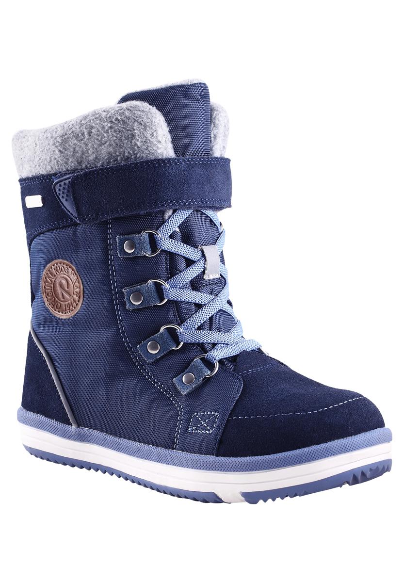 569288-4900Reima с гордостью представляет зимнюю модель - очаровательные и очень теплые зимние ботинки Freddo! Эти полностью непромокаемые зимние сапожки станут отличным вариантом как для прогулок по городу, так и для веселых игр в снегу. Верх изготовлен из очень красивой телячьей замши и текстиля, а подошва из термопластичной резины обеспечивает хорошее сцепление на любой поверхности. Рисунок Happy Fit на съемных войлочных стельках поможет подобрать нужный размер, а теплый войлок согреет ножки в морозную погоду. Подкладка выполнена из искусственного меха. Благодаря эластичным шнуркам и застежке-молнии, их очень легко надевать, к тому же шнурки вместе с застежкой на липучке обеспечат плотную и удобно посадку на ноге. Светоотражающие детали позволяют лучше разглядеть ребенка в темное время суток. Модель имеет среднюю степень утепления, рассчитанную на температуры от 0 до -20°С.