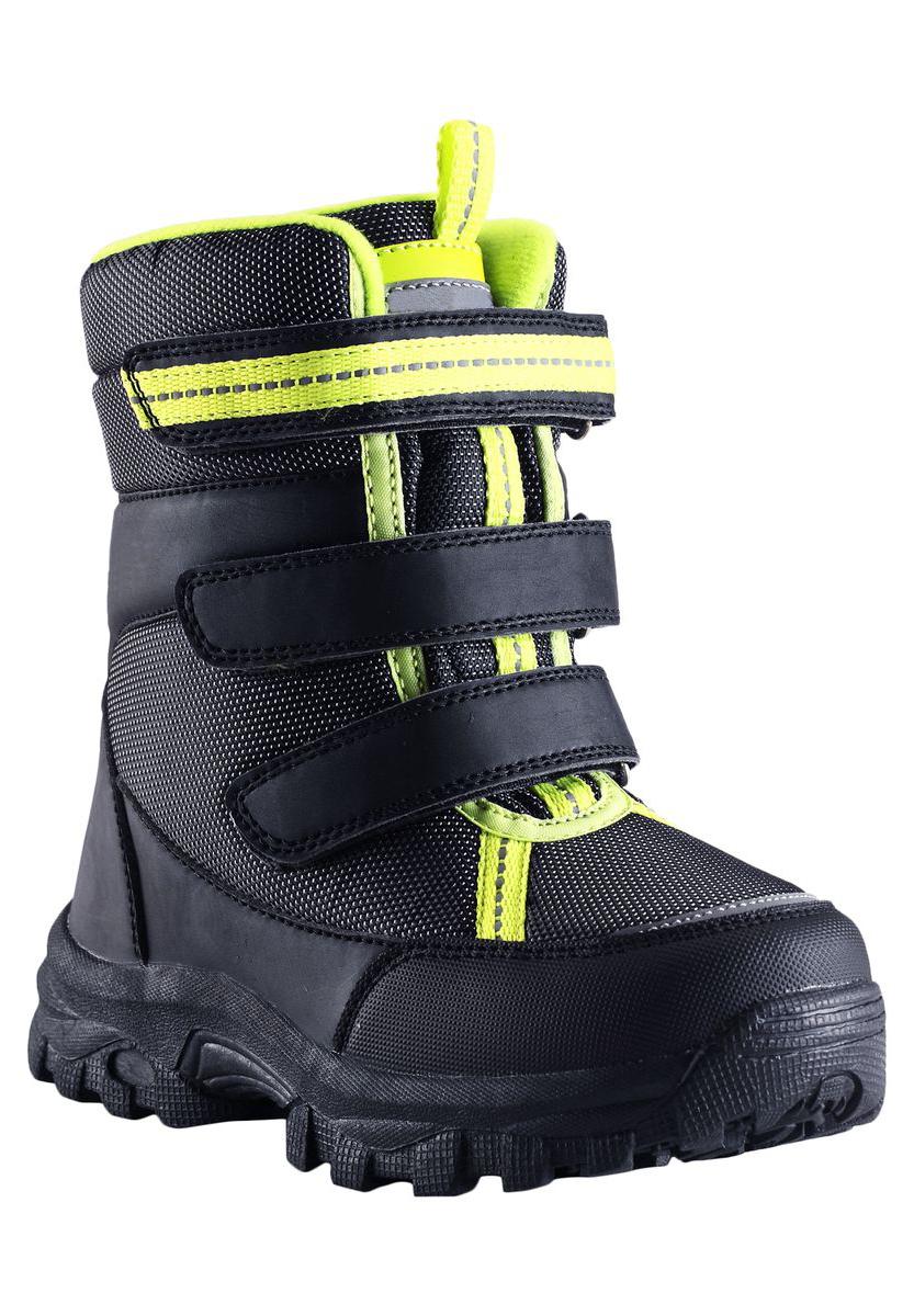 769099-4890Пара отличных зимних ботинок - вот без чего просто не обойтись в холодное время года! Cтильные водонепроницаемые детские зимние ботинки Milian от Lassie by Reima изготовлены из текстиля и синтетического материала, прочного и простого в уходе. Благодаря мягкой подкладке из искусственного меха во время прогулок на свежем воздухе ножкам будет тепло и сухо. Регулируемая застежка на липучке облегчает обувание и обеспечивает хорошую фиксацию на ноге. На модели также имеются светоотражающие элементы, которые позволяют лучше разглядеть ребенка в темное время суток.