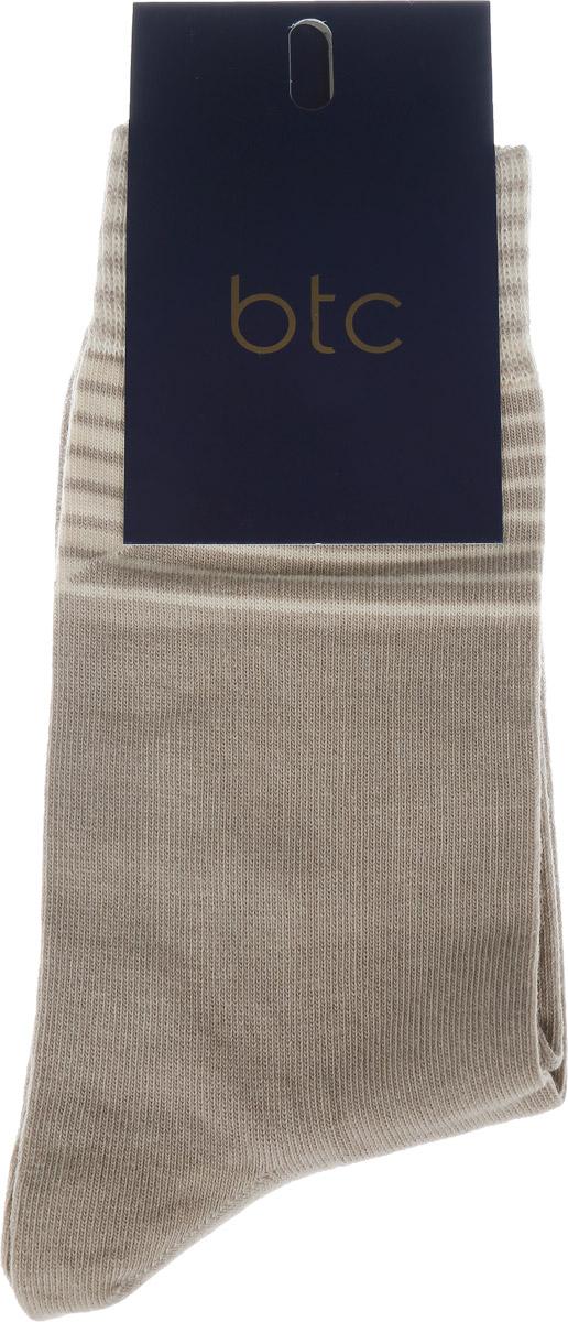 Носки мужские. 12.01919212.019192Удобные мужские носки BTC, изготовленные из высококачественного хлопка с добавлением полиамида и эластана, идеально подойдут для повседневной носки. Благодаря содержанию мягкого хлопка в составе, кожа сможет дышать, полиамид обеспечивает износостойкость, а эластан позволяет носочкам легко тянуться, что делает их комфортными в носке. Эластичная резинка плотно облегает ногу, не сдавливая ее, обеспечивая комфорт и удобство и не препятствуя кровообращению. Практичные и комфортные носки с укрепленным мыском и пяткой великолепно подойдут к вашей обуви.