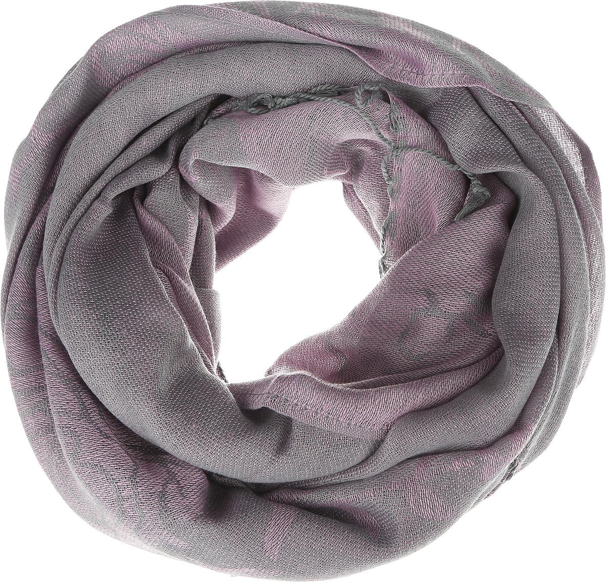 SCw-142/457-6302Модный женский шарф Sela подарит вам уют и станет стильным аксессуаром, который призван подчеркнуть вашу индивидуальность и женственность. Теплый шарф выполнен из полиэстера, он невероятно мягкий и приятный на ощупь. Шарф оформлен оригинальным цветочным узором и украшен бахромой в виде жгутиков по краям. Этот модный аксессуар гармонично дополнит образ современной женщины, следящей за своим имиджем и стремящейся всегда оставаться стильной и элегантной. Такой шарф украсит любой наряд и согреет вас в непогоду, с ним вы всегда будете выглядеть изысканно и оригинально.