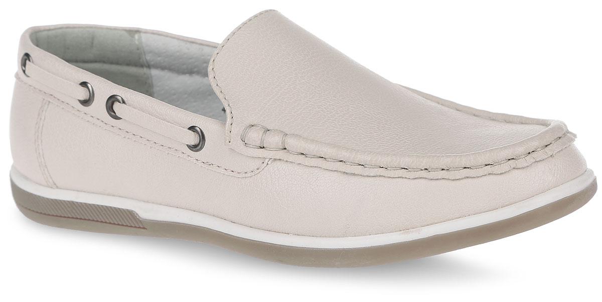Мокасины8972-8Стильные мокасины от Зебра займут достойное место среди коллекции обуви вашего мальчика. Модель декорирована прострочкой и объемным швом. Кожаная подкладка и стелька из ЭВА материала с верхним покрытием из кожи, гарантируют комфорт и предотвращают натирание. Стелька дополнена супинатором, который обеспечивает правильное формирование детской стопы. Подошва оснащена рифлением для лучшей сцепки с поверхностями. Трендовые мокасины придутся по душе вашему мальчику.