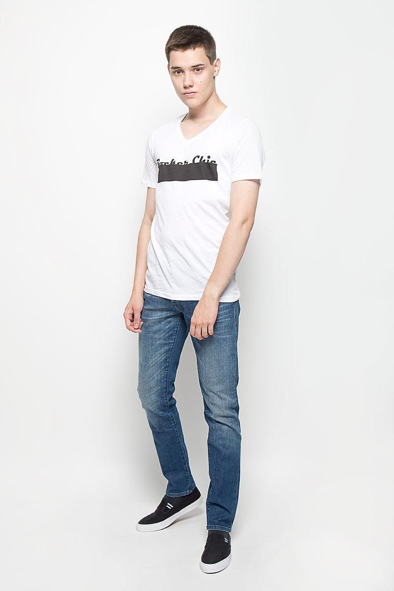 ФутболкаMX3023144Стильная мужская футболка Mexx выполнена из 100% хлопка. Эффектный принт, качественный материал и пошив делают эту мужскую футболку идеальной как для повседневного ношения, так и для занятий спортом.