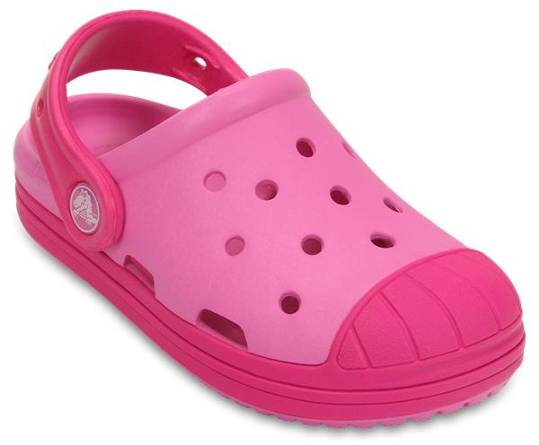 202282-02UСтильные сабо Bump It Clog от Crocs придутся по душе вашему ребенку. Модель полностью выполнена из полимерного материала контрастных цветов. Перфорация в верхней части обеспечивает вентиляцию ноги. Съемный пяточный ремешок, оформленный названием бренда, предназначен для фиксации стопы при ходьбе. Стелька с массажными линиями для стимуляции кровообращения и дополнительного комфорта. Рифление на подошве гарантирует идеальное сцепление с любой поверхностью. Такие сабо - отличное решение для каждодневного использования!