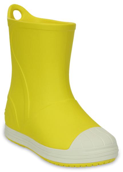 203515-6MIРезиновые сапоги Bump It Boot от Crocs сохранят ножки вашего ребенка теплыми и сухими. Модель выполнена из полимера Croslite. Благодаря материалу Croslite обувь невероятно легкая, мягкая и удобная. Материал Croslite - бактериостатичен, препятствует появлению неприятных запахов и легок в уходе: быстро сохнет и не оставляет следов на любых поверхностях. Рифленое основание подошвы гарантирует идеальное сцепление с любой поверхностью. Сапоги дополнены усиленным мыском и сзади на голенище - специальной петлей для удобства надевания. Теперь даже в самую ненастную погоду ваши дети могут продолжать радоваться играм на свежем воздухе.