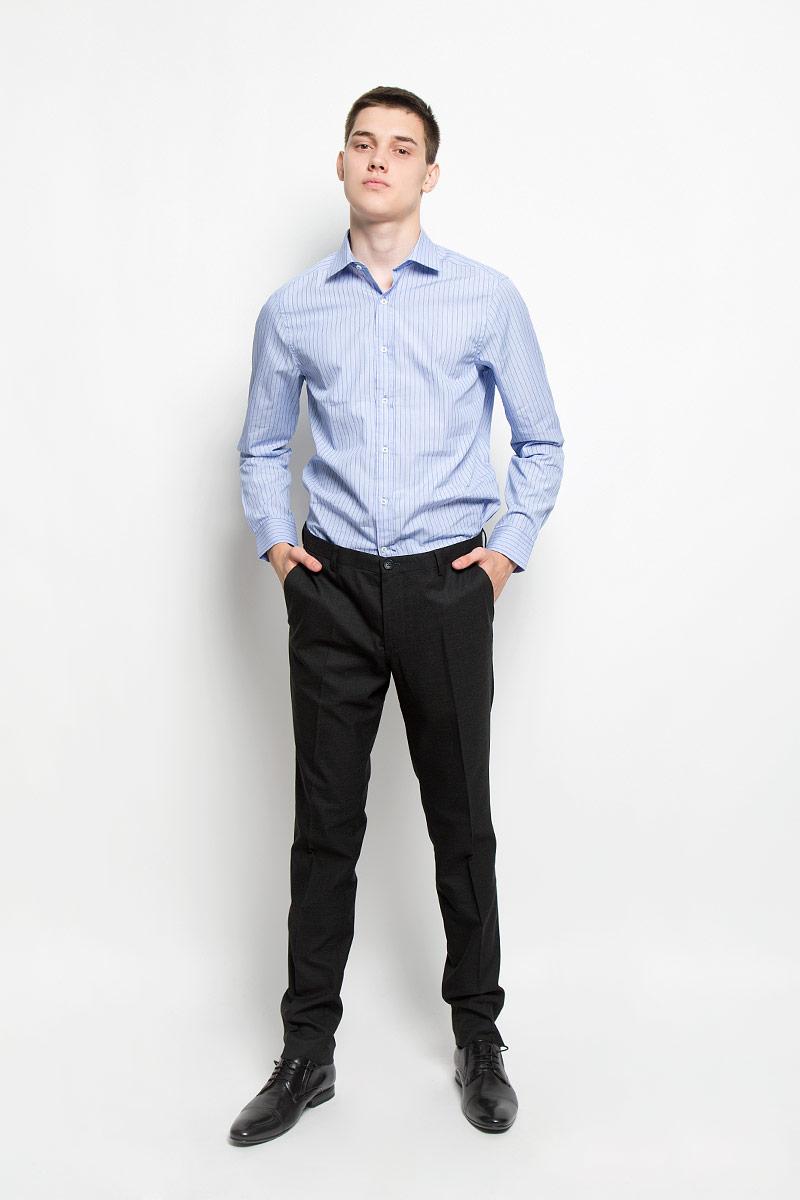 MX3020063_MN_SHG_002Мужская рубашка Mexx, изготовленная из натурального хлопка, прекрасно подойдет для повседневной носки. Изделие очень мягкое и приятное на ощупь, не сковывает движения и хорошо пропускает воздух. Рубашка с отложным воротником и длинными рукавами застегивается на пуговицы по всей длине. Манжеты на рукавах также имеют застежки-пуговицы. Изделие оформлено принтом в полоску. Такая модель займет достойное место в вашем гардеробе!