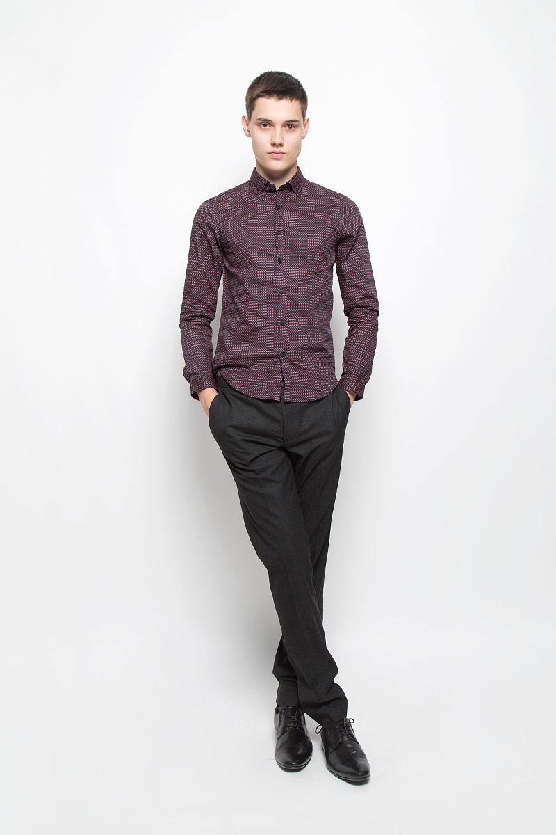 Рубашка мужская. MX3020124_MN_SHG_002MX3020124_MN_SHG_002Мужская хлопковая рубашка Mexx подчеркнет ваш вкус и поможет создать стильный образ. Материал изделия тактильно приятный, позволяет коже дышать, не стесняет движений, обеспечивая комфорт при носке. Рубашка с отложным воротником и длинными рукавами застегивается на пуговицы по всей длине. Модель имеет слегка приталенный силуэт. На манжетах и воротнике предусмотрены застежки-пуговицы. Изделие оформлено контрастным принтом. Такая модель займет достойное место в вашем гардеробе!
