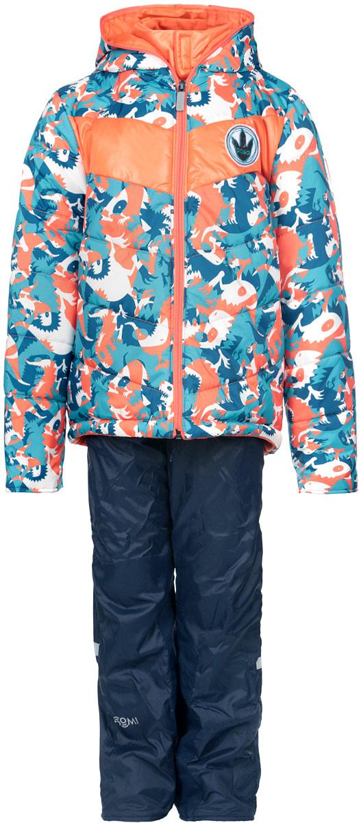 Комплект верхней одежды64058_BOB_вар.1Комплект одежды Boom!, состоящий из куртки и утепленных брюк, идеально подойдет для вашего мальчика в прохладное время года. Куртка изготовлена из 100% полиэстера и оформлена принтом с изображением динозавров, спереди - декоративной нашивкой, сбоку и на нижней части спинки - фирменными светоотражающими нашивками. Подкладка, выполненная из полиэстера с добавлением вискозы, приятная на ощупь. В качестве утеплителя используется синтепон - 100% полиэстер. Куртка с капюшоном и небольшим воротником-стойкой застегивается на застежку-молнию, которая расположена по всей длине куртки, включая капюшон. На рукавах предусмотрены трикотажные напульсники, которые предотвращают проникновение снега и ветра. Брюки, изготовленные из полиэстера на флисовой подкладке, приятные на ощупь, не сковывают движения и обеспечивают наибольший комфорт. Брюки прямого кроя на талии имеют широкий эластичный пояс и затягиваются на шнурок. По бокам предусмотрены два прорезных ...