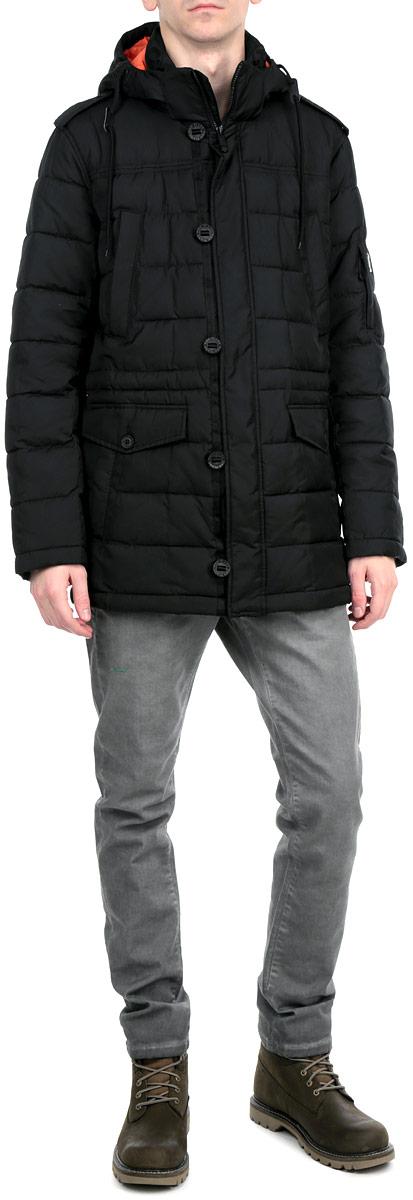 Куртка мужская. A15-42002A15-42002Стильная и удлиненная мужская куртка Finn Flare подчеркнет креативность вашего вкуса. Модель прямого кроя с отстегивающимся капюшоном застегивается на застежку-молнию и дополнительно ветрозащитным клапаном на кнопки и пуговицы. Утеплитель - синтепон. Куртка дополнена двумя боковыми карманами на кнопках. На груди также есть два кармана на кнопках. Рукав оформлен не большим кармашком на застежке-молнии. Внутри куртка дополнена двумя потайными карманами, один на пуговице, другой на застежке-молнии. Внутри модель на талии дополнена эластичной, затягивающейся кулиской. Эта модная куртка послужит отличным дополнением к вашему гардеробу.