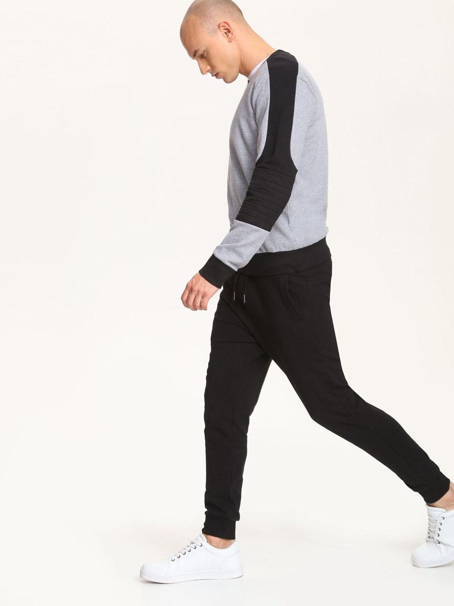 СвитшотDBL0234SZСтильный мужской свитшот Drywash, выполненный из хлопка с добавлением полиэстера. Модель с круглым вырезом горловины и длинными рукавами. Манжеты и низ изделия отделаны широкой трикотажной резинкой.