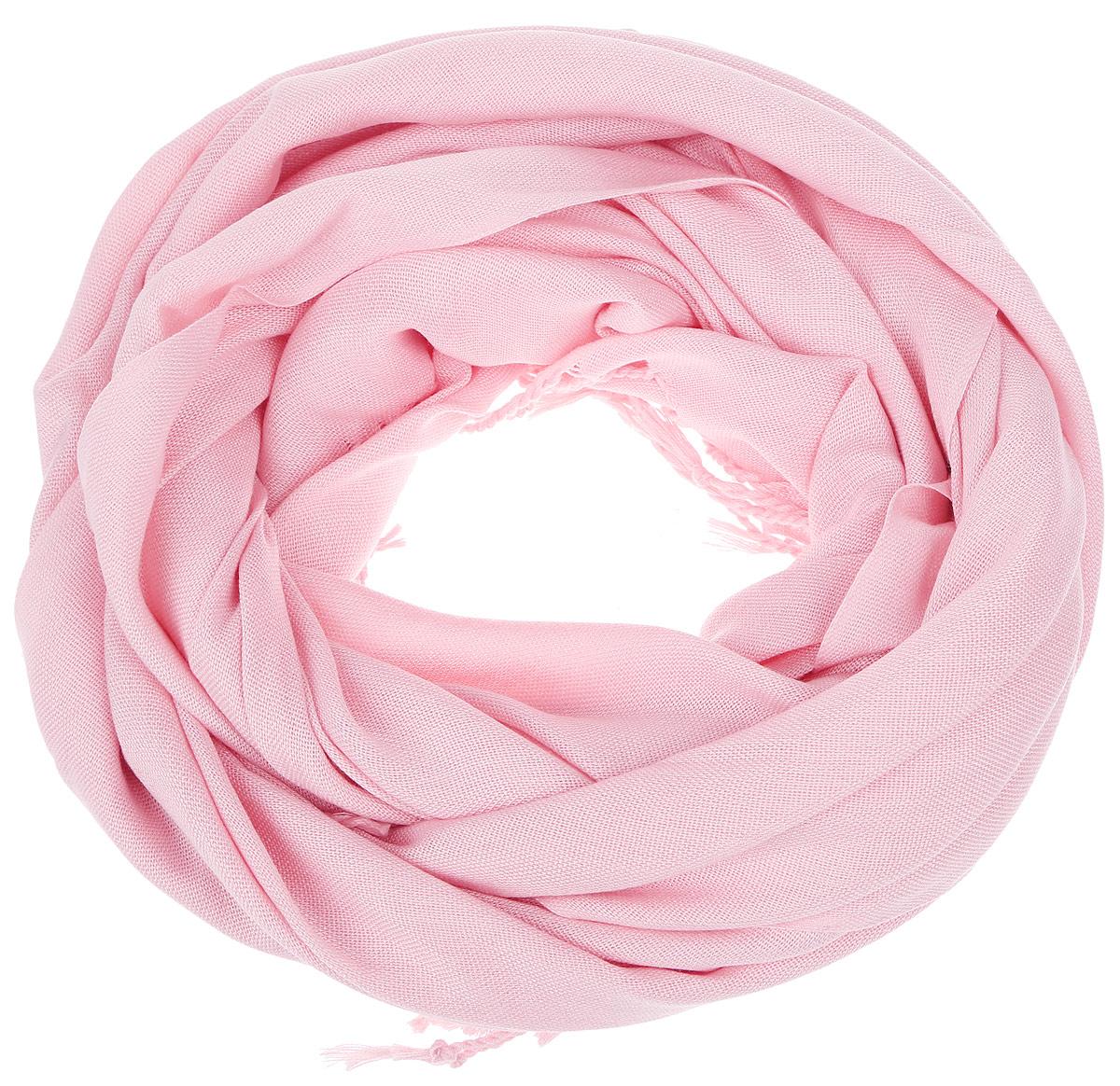 Шарф женский. SCw-142/442-6302SCw-142/442-6302Модный женский шарф Sela подарит вам уют и станет стильным аксессуаром, который призван подчеркнуть вашу индивидуальность и женственность. Шарф выполнен из полиэстера с добавлением вискозы, он невероятно мягкий и приятный на ощупь. Шарф украшен бахромой в виде жгутиков по краям. Этот модный аксессуар гармонично дополнит образ современной женщины, следящей за своим имиджем и стремящейся всегда оставаться стильной и элегантной. Такой шарф украсит любой наряд и согреет вас в непогоду, с ним вы всегда будете выглядеть изысканно и оригинально.