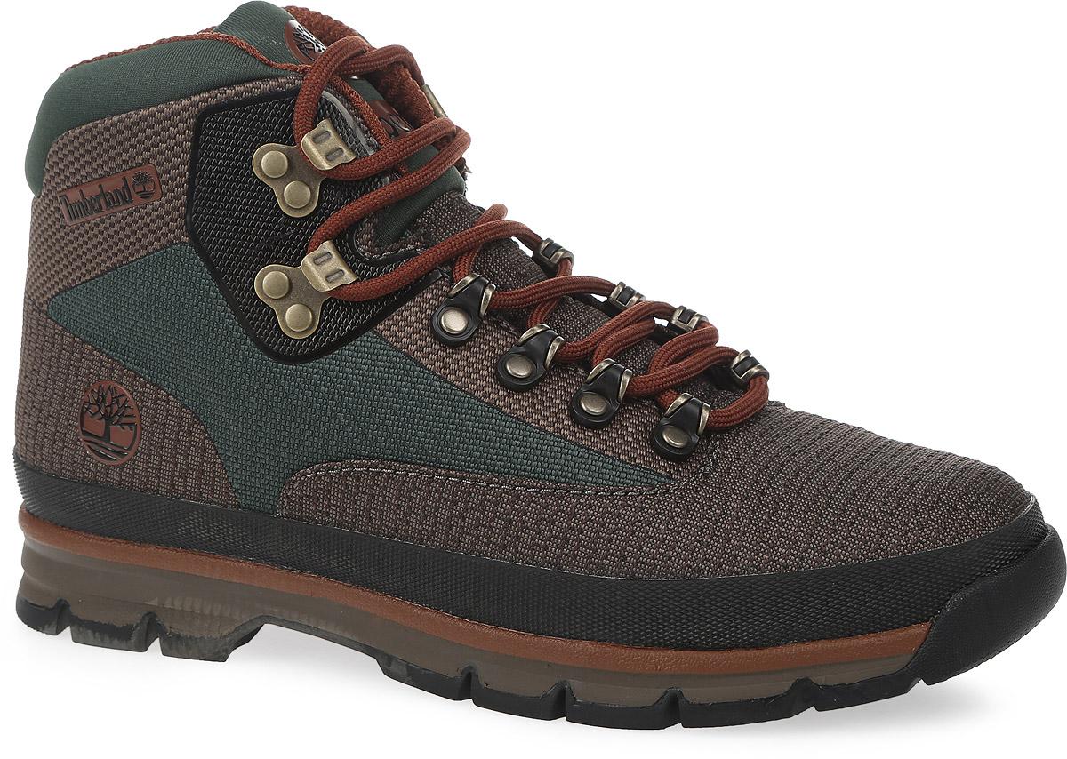 TBLA186PMСтильные мужские ботинки Euro Hiker Jacquard от Timberland заинтересуют вас своим дизайном. Модель изготовлена из полиэстерового жаккарда. Обувь оформлена оригинальным плетением на шнурках, сбоку и на язычке - фирменной прорезиненной нашивкой в виде названия и логотипа бренда. Стелька выполнена по технологии ORTHOLITE, что обеспечивают значительно более долгую поддержку и амортизацию, чем традиционные обычные стельки. Шнуровка прочно зафиксирует обувь на вашей ноге. Подошва с протектором гарантируют идеальное сцепление с любыми поверхностями. В таких ботинках вашим ногам будет комфортно и уютно. Они подчеркнут ваш стиль и индивидуальность.