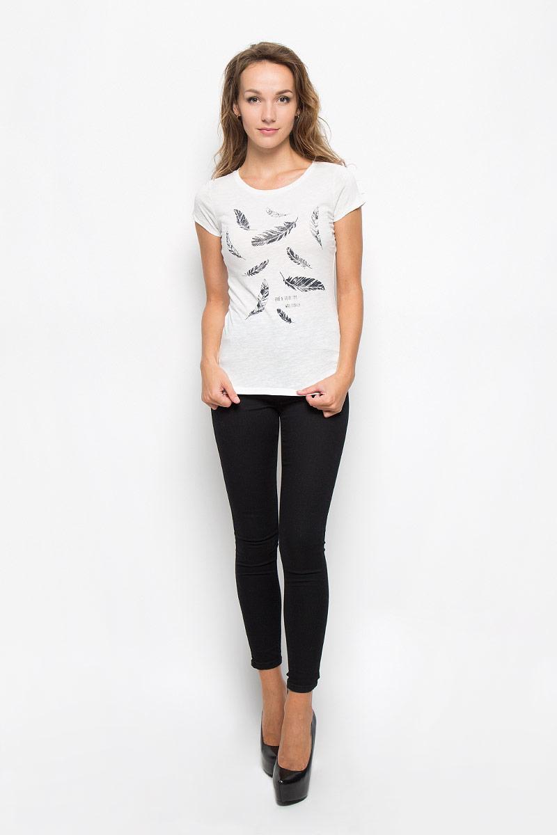 Футболка1035262.09.71_6901Стильная женская футболка Tom Tailor Denim, выполненная из 100% хлопка, поможет создать отличный современный образ в стиле Casual. Модель с круглым вырезом горловины и короткими рукавами оформлена спереди оригинальным принтом. Такая футболка станет стильным дополнением к вашему гардеробу, она подарит вам комфорт в течение всего дня!