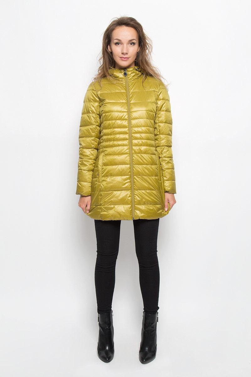 КурткаCp-126/673-6312Стильная женская куртка Baon на синтепоне, выполненная из 100% полиэстера отлично подойдет для прохладной погоды. Модель с несъемным капюшоном на кулиске и длинными рукавами застегивается на застежку-молнию. Снизу с внутренней стороны модель дополнена скрытой утягивающей резинкой. Спереди модель дополнена двумя прорезными карманами на застежках-молниях. Эта модная куртка послужит отличным дополнением к вашему гардеробу.