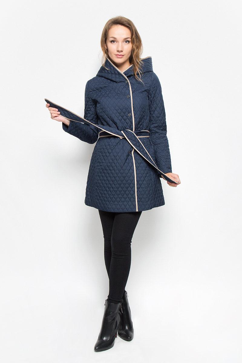 ПальтоCEpq-126/707-6331Удобное и элегантное женское пальто Sela согреет вас в прохладную погоду и позволит выделиться из толпы. Удлиненная модель с длинными рукавами и несъемным капюшоном выполнена из прочного полиэстера и застегивается на кнопки спереди. Изделие дополнено двумя втачными карманами на молниях и съемным широким поясом. Наполнитель из синтепона и подкладка из полиэстера надежно сохранят тепло, благодаря чему такое пальто защитит вас от ветра и холода. Пальто оформлено стеганым узором в виде ромбов. Это модное и комфортное пальто - отличный вариант для прогулок, оно подчеркнет ваш изысканный вкус и поможет создать неповторимый образ.