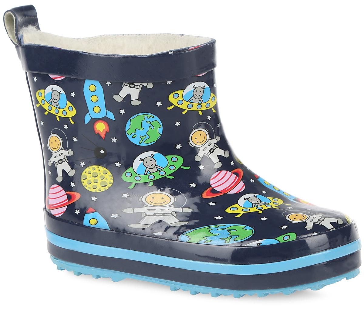 Сапоги резиновые для мальчика. 200279200279Стильные резиновые сапоги от Mursu идеально подходят для долгих прогулок в ненастную погоду. Сапоги выполнены из качественной резины и оформлены оригинальным принтом. Ярлычок на заднике облегчит надевание обуви. Подкладка и стелька изготовлены из шерсти, которая сохранит тепло и обеспечит полный уют и комфорт при носке. Рельефная резиновая подошва устойчива к истиранию и гарантирует отличное сцепление с любой поверхностью. Такие оригинальные и практичные резиновые сапоги займут достойное место в гардеробе вашего ребенка.