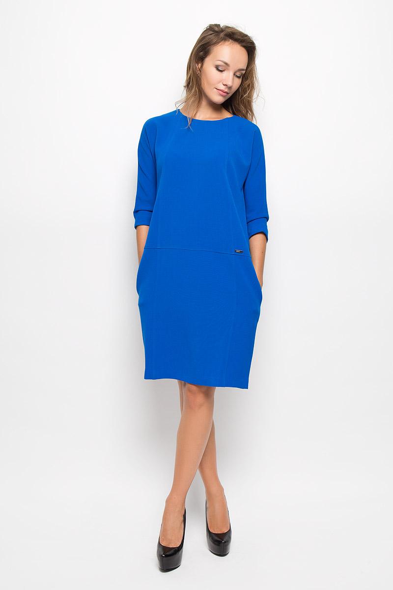 ПлатьеB431_BlackЭлегантное платье Baon выполнено из высококачественного эластичного полиэстера с добавлением вискозы. Такое платье обеспечит вам комфорт и удобство при носке и непременно вызовет восхищение у окружающих. Платье превосходно тянется, обладает высокой износостойкостью и отлично сидит по фигуре. Модель средней длины с цельнокроеными рукавами 3/4 и круглым вырезом горловины выгодно подчеркнет все достоинства вашей фигуры. Платье застегивается на застежку-молнию на спинке. По бокам расположены два открытых втачных кармана. Изысканное платье-миди создаст обворожительный и неповторимый образ. Это модное и комфортное платье станет превосходным дополнением к вашему гардеробу, оно подарит вам удобство и поможет подчеркнуть ваш вкус и неповторимый стиль.