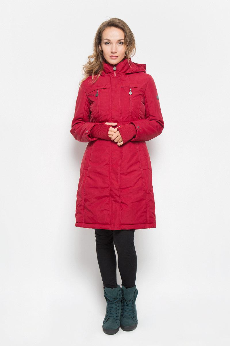 Пальто женское. Cep-126/663-6313Cep-126/663-6313Удобное и теплое женское пальто Sela с наполнителем из полиэстера согреет вас в холодную погоду и позволит выделиться из толпы. Удлиненная модель с воротником-стойкой и несъемным капюшоном выполнена из водоотталкивающего и ветронепроницаемого нейлона, застегивается на молнию спереди и имеет ветрозащитный клапан на кнопках. Объем капюшона регулируется при помощи шнурка-кулиски со стопперами. Изделие дополнено двумя втачными карманами на кнопках, с внутренней стороны одним накладным карманом. На груди модель оформлена имитацией двух врезных карманов на застежках-молниях. Рукава дополнены плотными трикотажными манжетами, что предотвращает проникновение холодного воздуха, а также хлястиками на кнопках. На талии имеется скрытый затягивающийся шнурок. Это модное и комфортное пальто - отличный вариант для прогулок, оно подчеркнет ваш изысканный вкус и поможет создать неповторимый образ.