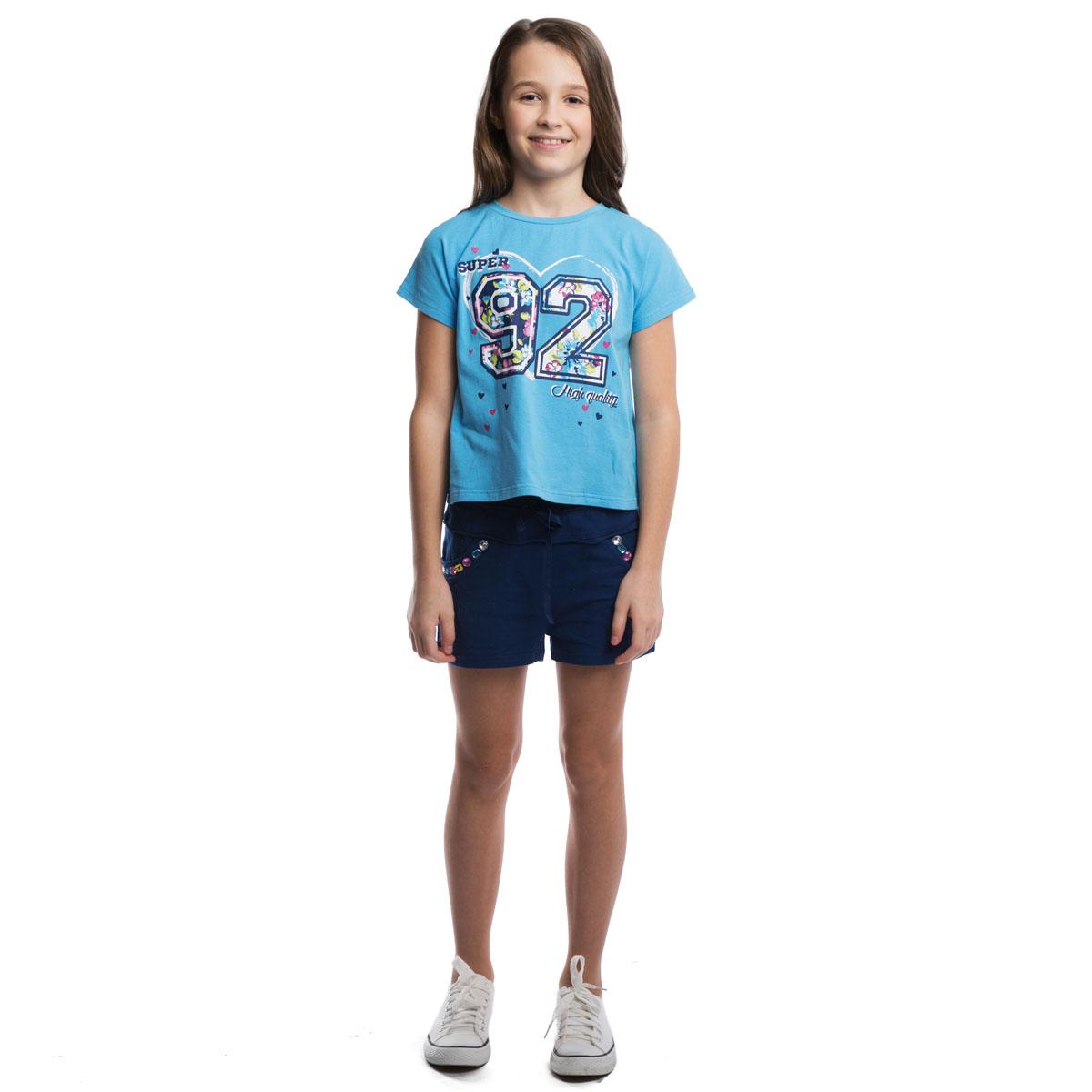 Футболка264015Мягкая укороченная футболка для жаркого лета с трикотажной резинкой на воротнике. Модель оформлена резиновым принтом с цветочным узором.