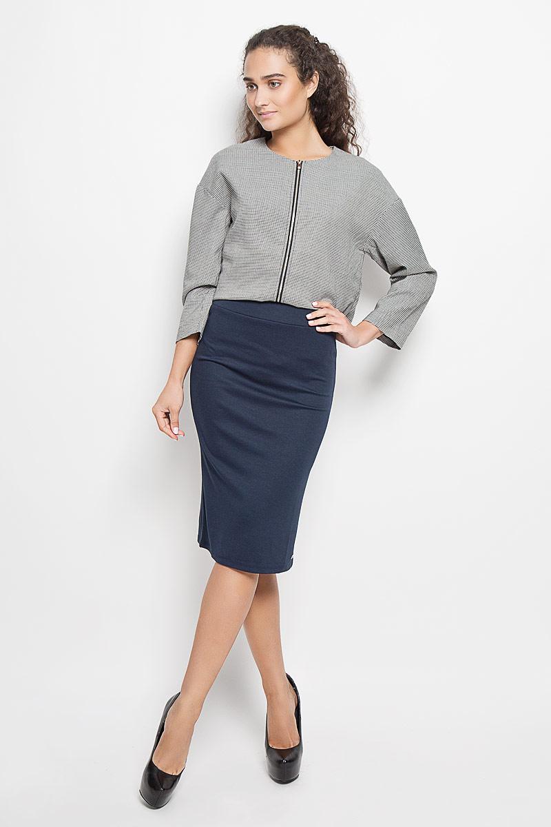 Юбка Denim. 5513300.01.715513300.01.71_6901Стильная юбка Tom Tailor Denim, выполненная из высококачественных материалов, приятная на ощупь, не сковывает движения, обеспечивая наибольший комфорт. В поясе юбка дополнена широкой эластичной резинкой. Снизу модель оформлена металлической брендовой пластиной. Эта модная юбка станет отличным дополнением к вашему гардеробу.