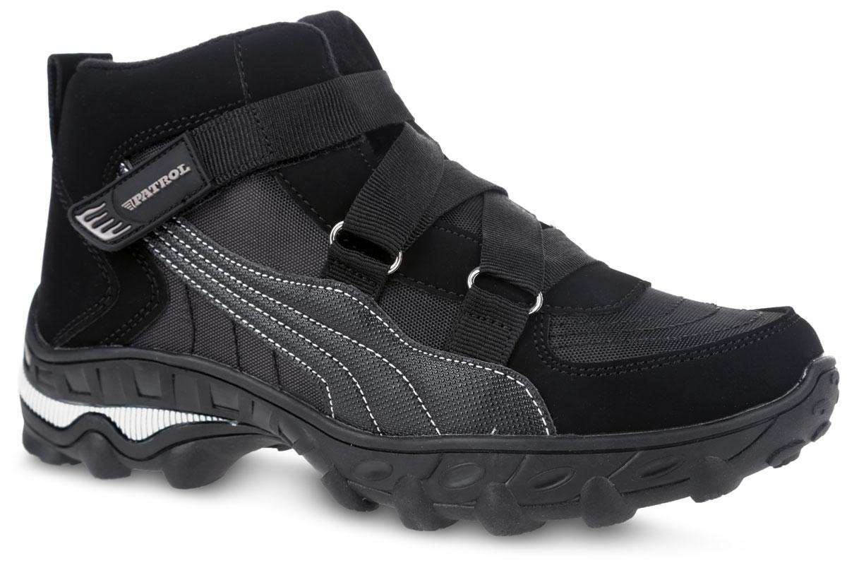 Ботинки для мальчика. 779-9014PIM-17w-01/8-1779-9014PIM-17w-01/8-1Теплые ботинки от фирмы Patrol понравятся вашему юному моднику с первого взгляда. Обувь изготовлена из качественной искусственной кожи и плотного текстиля. Модель оформлена декоративной прострочкой. Язык оформлен надписью с названием фирмы. На ноге модель фиксируется с помощью ремня на застежке-липучке. Ярлычок на заднике упростит надевание модели. Мягкий манжет создает комфорт при ходьбе. Внутренняя поверхность и стелька выполнены из искусственного меха, который обеспечит тепло. Подошва выполнена из легкой и гибкой резины, а ее рифление гарантирует отличное сцепление с любой поверхностью. Такие стильные и удобные ботинки займут достойное место в гардеробе вашего мальчика.