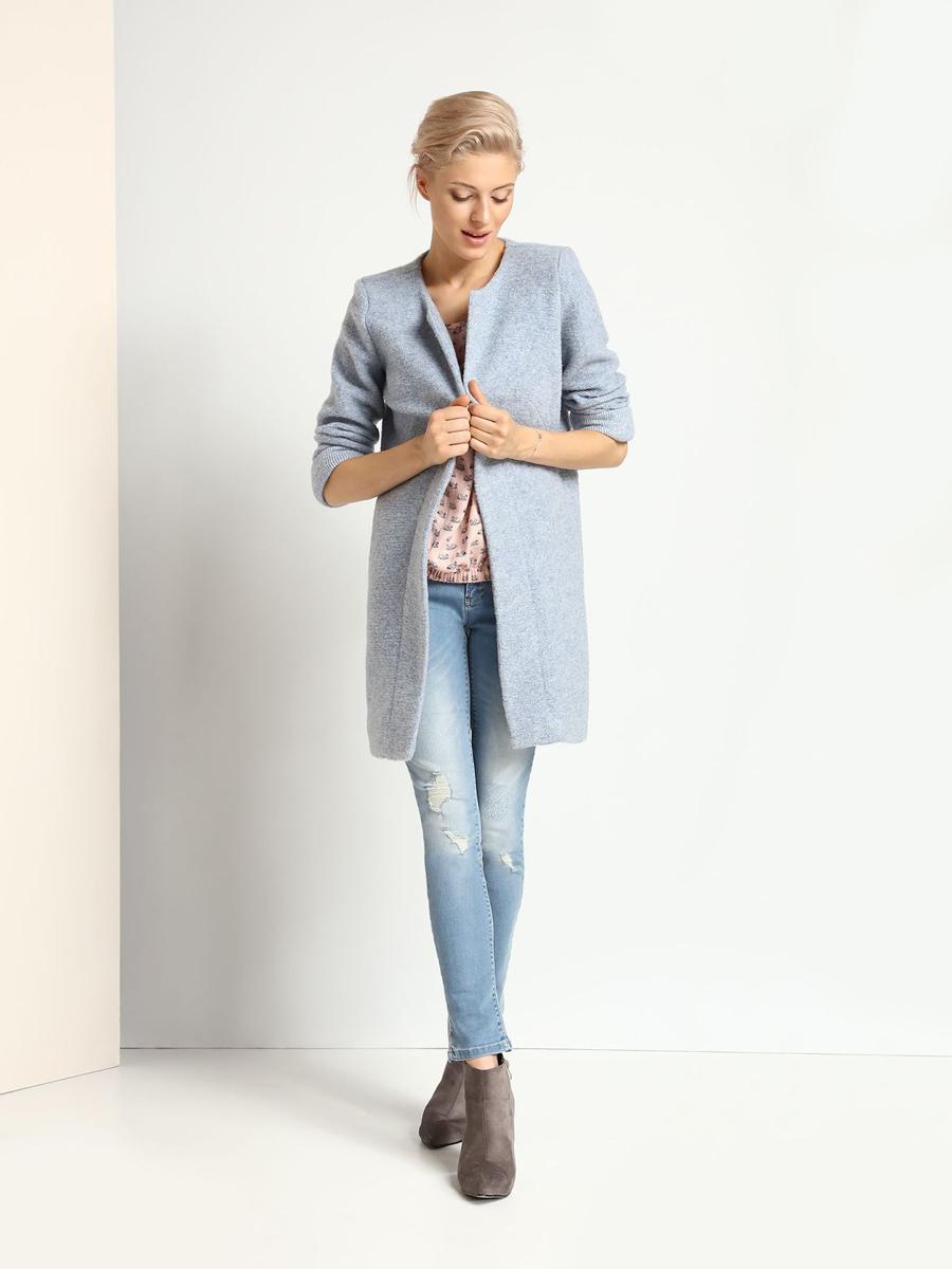 ПальтоSPZ0343NIСтильное женское пальто Top Secret выполнено из шерсти и акрила. Пальто с круглым вырезом горловины и длинными рукавами не имеет застежек. По бокам модель оснащена двумя втачными карманами.