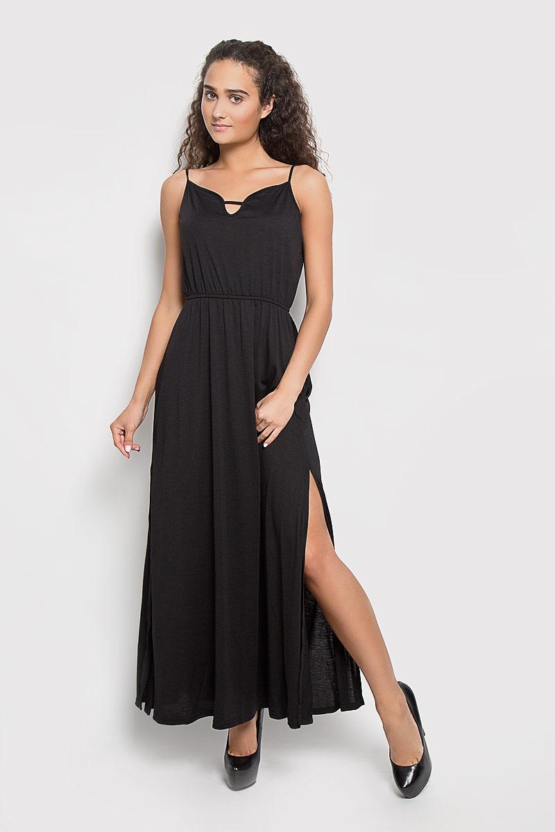 CK2769_BlackЭлегантное длинное платье Glamorous, выполненное из 100% полиэстера, преподносит все достоинства женской фигуры. Модель с регулируемыми по длине бретелями имеет фигурный вырез горловины. На линии талии платье дополнено эластичной резинкой. По бокам изделие оформлено разрезами. В таком наряде вы безусловно привлечете восхищенные взгляды окружающих. Это платье станет отличным дополнением к вашему гардеробу!
