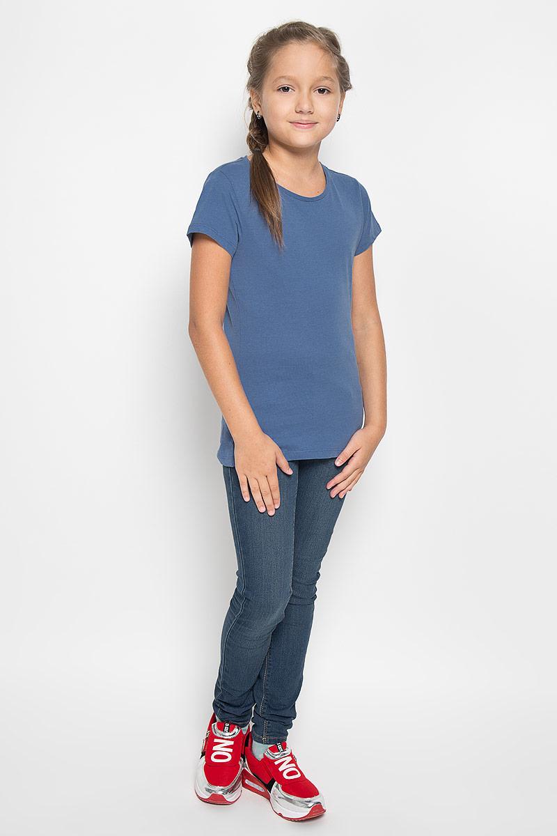 Ts-611/004-6362Великолепная футболка Sela идеально подойдет вашей маленькой моднице. Изготовленная из натурального хлопка, она необычайно мягкая и приятная на ощупь, не сковывает движения и позволяет коже дышать, не раздражает даже самую нежную и чувствительную кожу ребенка, обеспечивая наибольший комфорт. Футболка с короткими рукавами и круглым вырезом горловины выполнена в лаконичном стиле. Модель имеет полуприлегающий силуэт. Внизу изделие оформлено логотипом бренда в виде кошечки. Современный дизайн и актуальная расцветка делают эту футболку модным и стильным предметом детского гардероба. В ней ваша дочурка будет чувствовать себя уютно и комфортно и всегда будет в центре внимания!