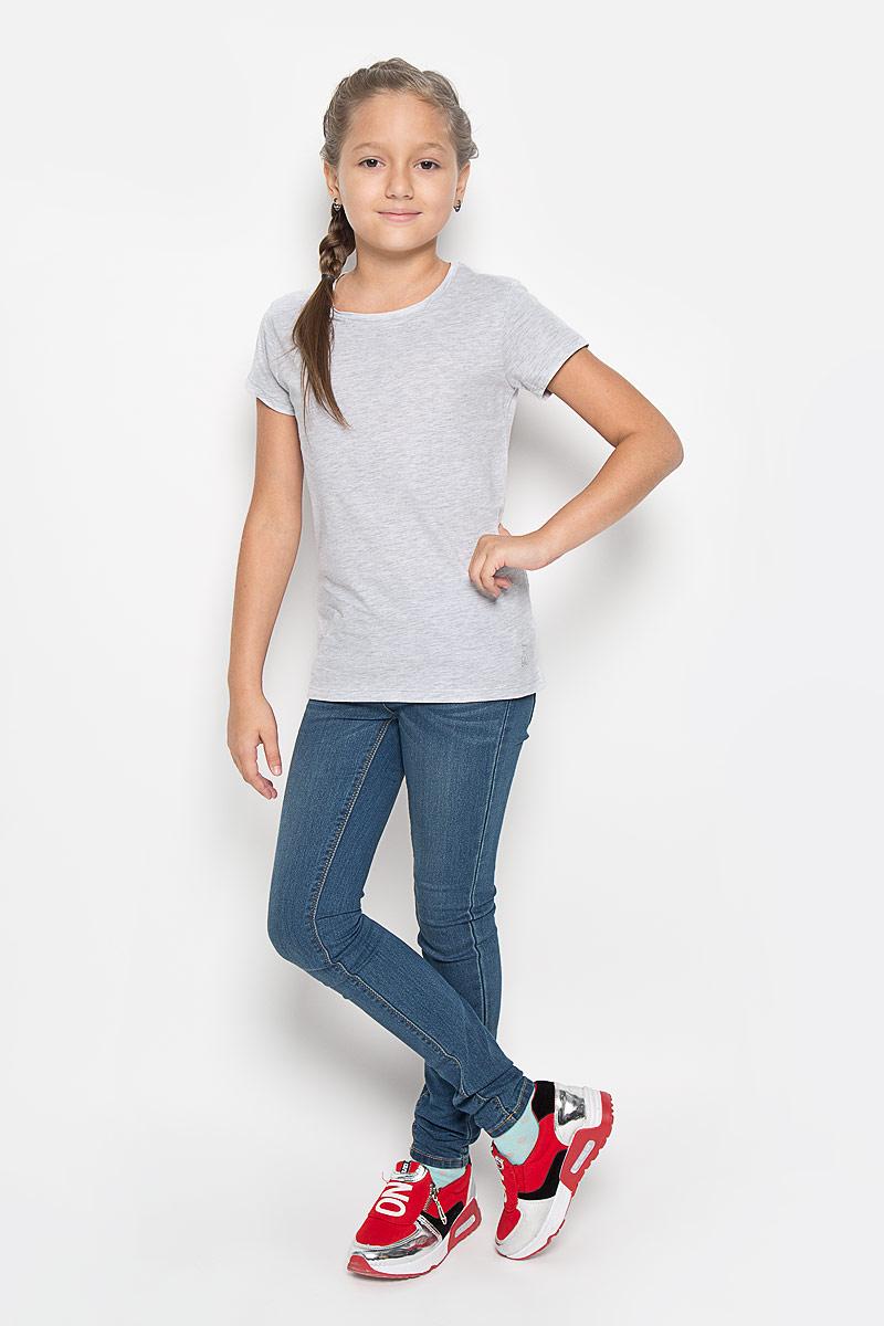 ФутболкаTs-611/004-6362Великолепная футболка Sela идеально подойдет вашей маленькой моднице. Изготовленная из натурального хлопка, она необычайно мягкая и приятная на ощупь, не сковывает движения и позволяет коже дышать, не раздражает даже самую нежную и чувствительную кожу ребенка, обеспечивая наибольший комфорт. Футболка с короткими рукавами и круглым вырезом горловины выполнена в лаконичном стиле. Модель имеет полуприлегающий силуэт. Внизу изделие оформлено логотипом бренда в виде кошечки. Современный дизайн и актуальная расцветка делают эту футболку модным и стильным предметом детского гардероба. В ней ваша дочурка будет чувствовать себя уютно и комфортно и всегда будет в центре внимания!