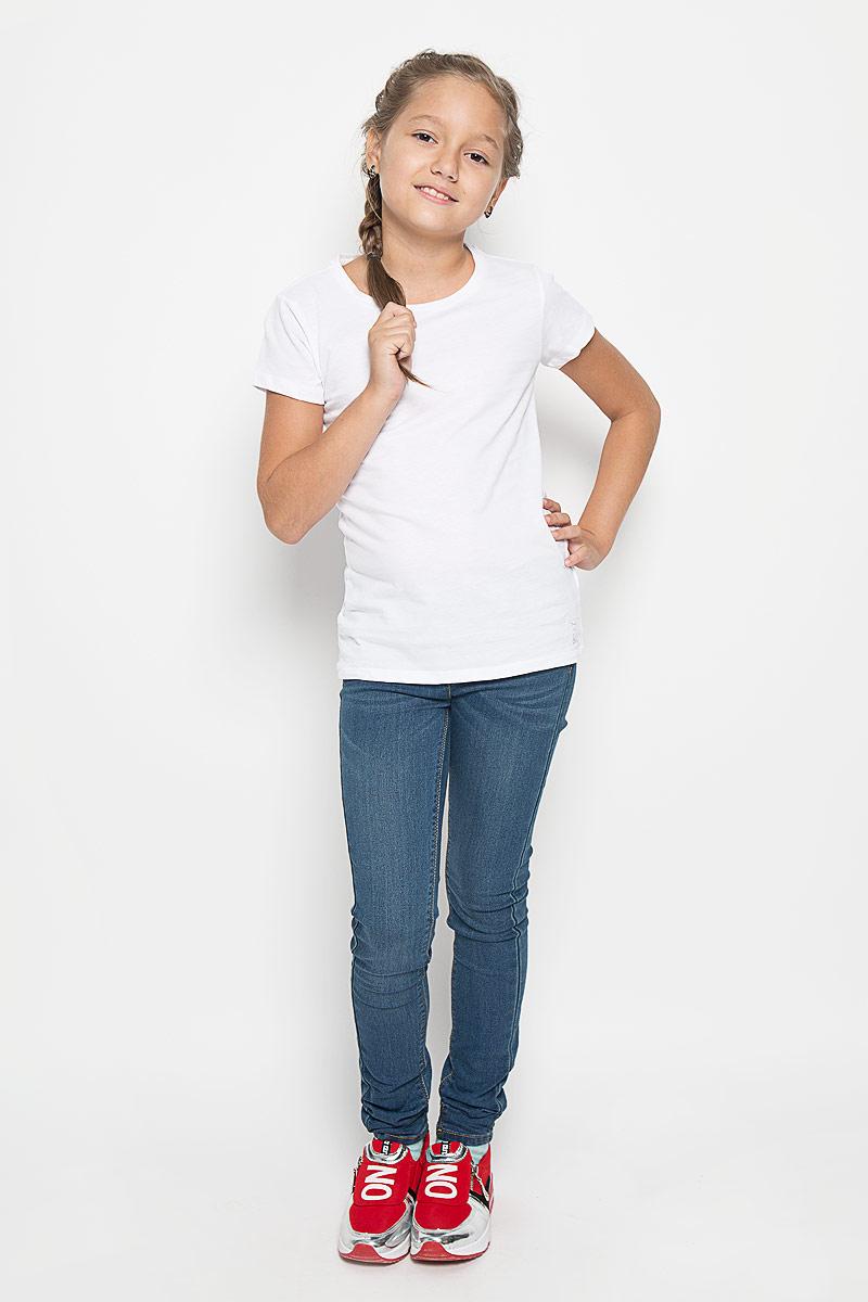 Футболка для девочки. Ts-611/004-6362Ts-611/004-6362Великолепная футболка Sela идеально подойдет вашей маленькой моднице. Изготовленная из натурального хлопка, она необычайно мягкая и приятная на ощупь, не сковывает движения и позволяет коже дышать, не раздражает даже самую нежную и чувствительную кожу ребенка, обеспечивая наибольший комфорт. Футболка с короткими рукавами и круглым вырезом горловины выполнена в лаконичном стиле. Внизу модель оформлена логотипом бренда в виде кошечки. Оригинальный современный дизайн и актуальная расцветка делают эту футболку модным и стильным предметом детского гардероба. В ней ваша дочурка будет чувствовать себя уютно и комфортно, и всегда будет в центре внимания!