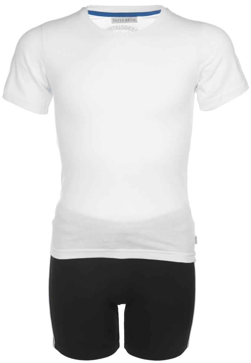 Комплект одеждыCJR160001A-1/CJR160001B-1Комплект для мальчика Nota Bene, состоящий из футболки и шорт, идеально подойдет вашему малышу для летнего отдыха и прогулок. Изготовленный из эластичного хлопка, он мягкий и приятный на ощупь, не сковывает движения и позволяет коже дышать, не раздражает даже самую нежную и чувствительную кожу ребенка, обеспечивая ему наибольший комфорт. Футболка с круглым вырезом горловины и короткими рукавами. На спинке модель оформлена надписями на английском языке. Горловина дополнена мягкой трикотажной резинкой. Шорты на талии имеют широкую эластичную резинку, регулируемую шнурком. Оригинальный дизайн и модная расцветка делают этот комплект незаменимым предметом детского гардероба. В нем вашему малышу будет комфортно и уютно, и он всегда будет в центре внимания!