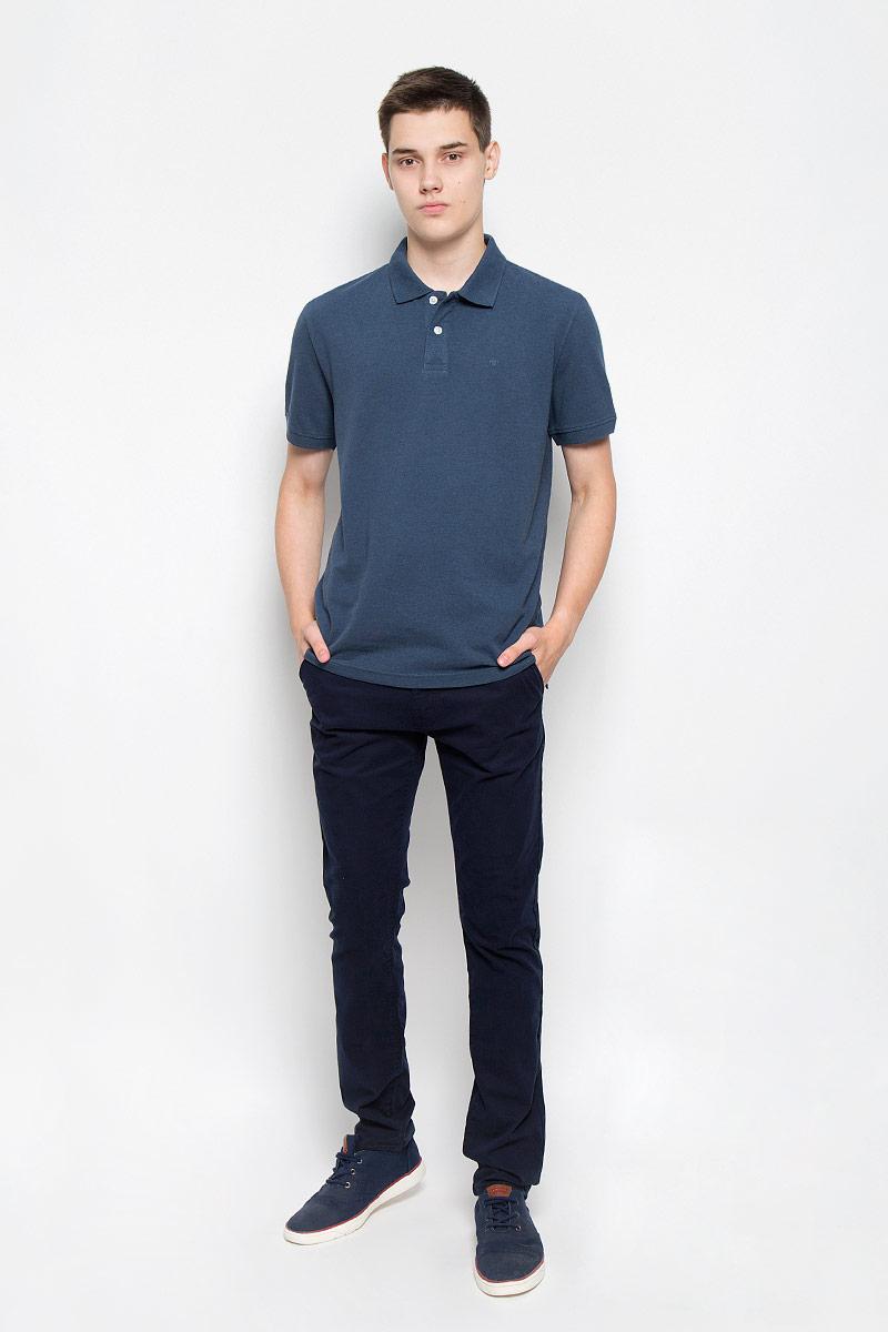 Поло1530756.00.10_6047Стильная мужская футболка-поло Tom Tailor, выполненная из высококачественного материала, обладает высокой теплопроводностью, воздухопроницаемостью и гигроскопичностью, позволяет коже дышать. Модель с короткими рукавами и отложным воротником сверху застегивается на две пуговицы. Футболка на груди оформлена небольшой вышивкой. Рукава дополнены широкими трикотажными резинками. Низ изделия по бокам имеет небольшие разрезы. Классический покрой, лаконичный дизайн, безукоризненное качество. В такой футболке вы будете чувствовать себя уверенно и комфортно.