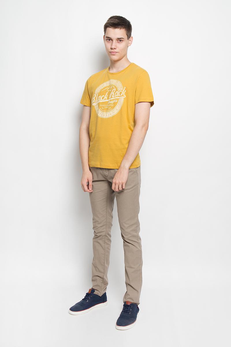 1035176.00.10_8005Мужская футболка Tom Tailor поможет создать отличный современный образ в стиле Casual. Модель, изготовленная из натурального хлопка, очень мягкая, тактильно приятная, не сковывает движения и позволяет коже дышать. Футболка с круглым вырезом горловины и короткими рукавами спереди оформлена оригинальным принтом. Такая футболка станет стильным дополнением к вашему гардеробу, она подарит вам комфорт в течение всего дня!