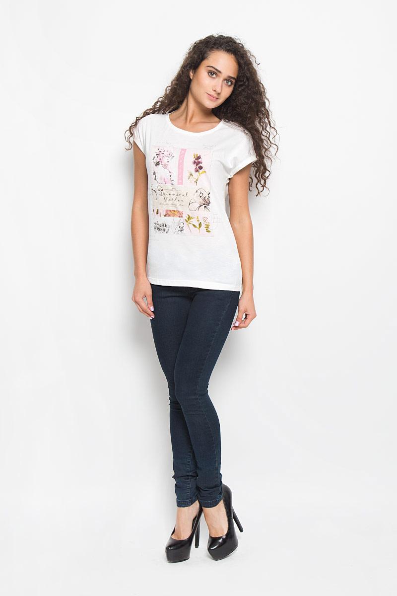 ФутболкаTs-111/1061-6372Стильная женская футболка Sela поможет создать отличный современный образ. Модель, изготовленная из хлопка и полиэстера, очень мягкая, тактильно приятная и не сковывает движения. Футболка с круглым вырезом горловины и короткими рукавами-кимоно оформлена спереди крупным принтом. На рукавах предусмотрены декоративные отвороты. Вырез горловины дополнен трикотажной резинкой. Такая футболка станет стильным дополнением к вашему гардеробу, она подарит вам комфорт в течение всего дня!