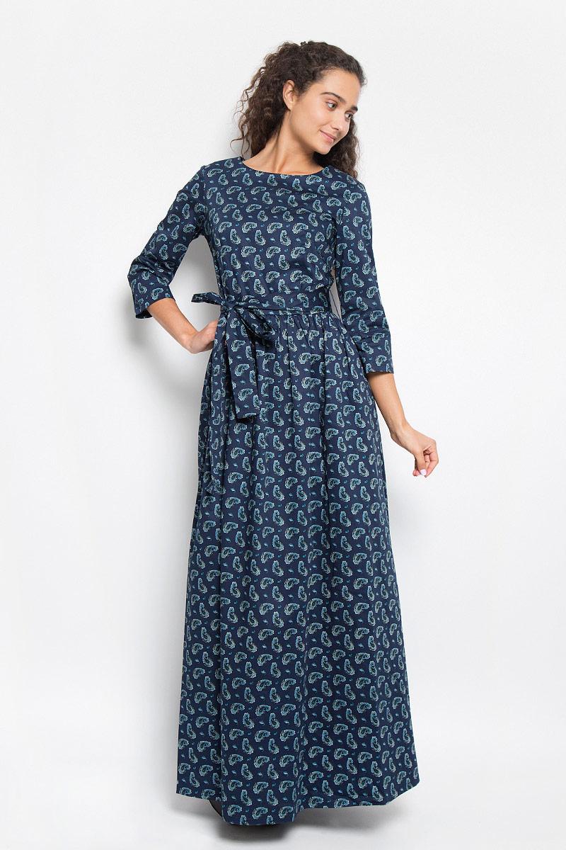 ПлатьеB403_DARK NAVY PRINTEDЭлегантное платье Baon выполнено из хлопка с добавлением эластана. Такое платье обеспечит вам комфорт и удобство при носке и непременно вызовет восхищение у окружающих. Платье-макси с круглым вырезом горловины и рукавами длинной 3/4. Изделие застегивается сзади на потайную застежку-молнию. Юбка модели собрана на сборку и дополнена двумя втачными карманами. Платье оформлено орнаментом пейсли и дополнено поясом. Изысканное платье-миди создаст обворожительный и неповторимый образ. Это модное и комфортное платье станет превосходным дополнением к вашему гардеробу, оно подарит вам удобство и поможет подчеркнуть ваш вкус и неповторимый стиль.
