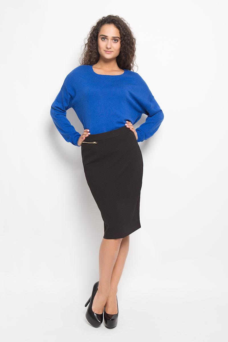 B476514_BLACKЭффектная юбка Baon, выполненная из полиэстера с добавлением эластана, обеспечит вам комфорт и удобство при носке. Юбка-карандаш средней длины застегивается сзади на скрытую застежку-молнию. Тыльная сторона модели дополнена скрытой застежкой-молнией. Спереди расположен прорезной карман на застежке-молнии. Модная юбка-карандаш выгодно освежит и разнообразит ваш гардероб. Создайте женственный образ и подчеркните свою яркую индивидуальность! Классический фасон и оригинальное оформление этой юбки сделают ваш образ непревзойденным.