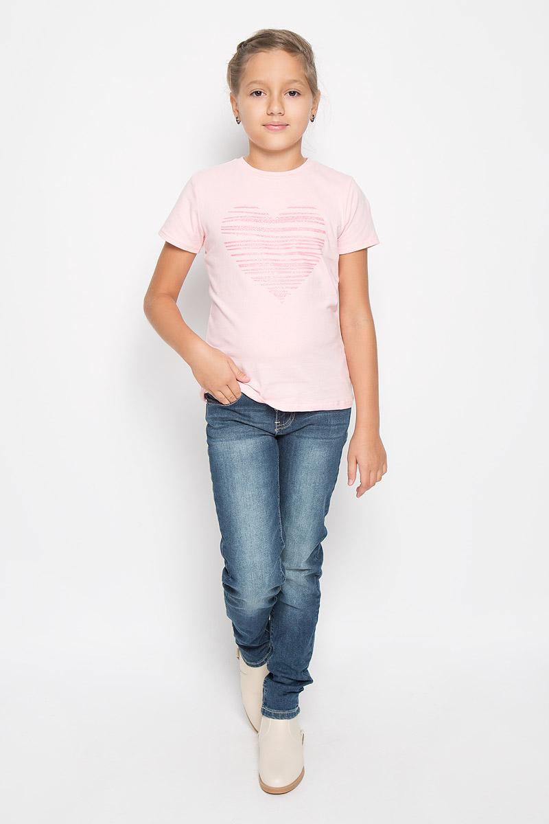 Футболка для девочки. 164012164012Стильная хлопковая футболка Scool с короткими рукавами. Футболка для девочки выполнена из хлопка с добавлением эластана, необычайно мягкая, очень приятная к телу, не сковывает движения, хорошо пропускает воздух. Модель с круглым вырезом горловины и короткими рукавами. Изделие оформлено блестящим изображением сердечка, такая отделка придает футболке стиль и неповторимость. В такой футболке ваша маленькая принцесса будет чувствовать себя комфортно и уютно во время отдыха!