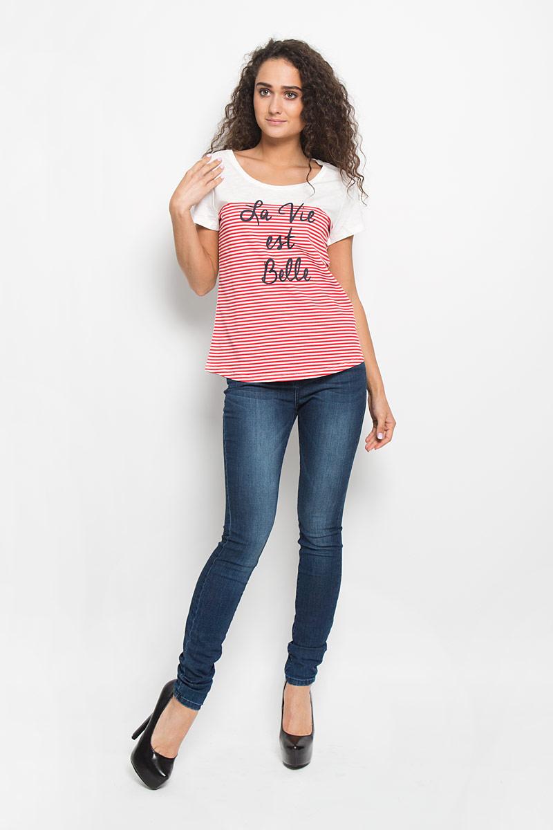Футболка1035524.00.71_4489Стильная женская футболка Tom Tailor Denim, выполненная из высококачественного мягкого хлопка, великолепно тянется, обладает высокой теплопроводностью, воздухопроницаемостью и гигроскопичностью, позволяет коже дышать. Классическая модель с короткими рукавами и круглым вырезом горловины - идеальный вариант для создания образа в стиле Casual. Спереди футболка оформлена контрастным принтом в виде горизонтальных полос, на которых изображена надпись на английском языке. Такая модель будет дарить вам комфорт в течение всего дня и послужит замечательным дополнением к вашему гардеробу.
