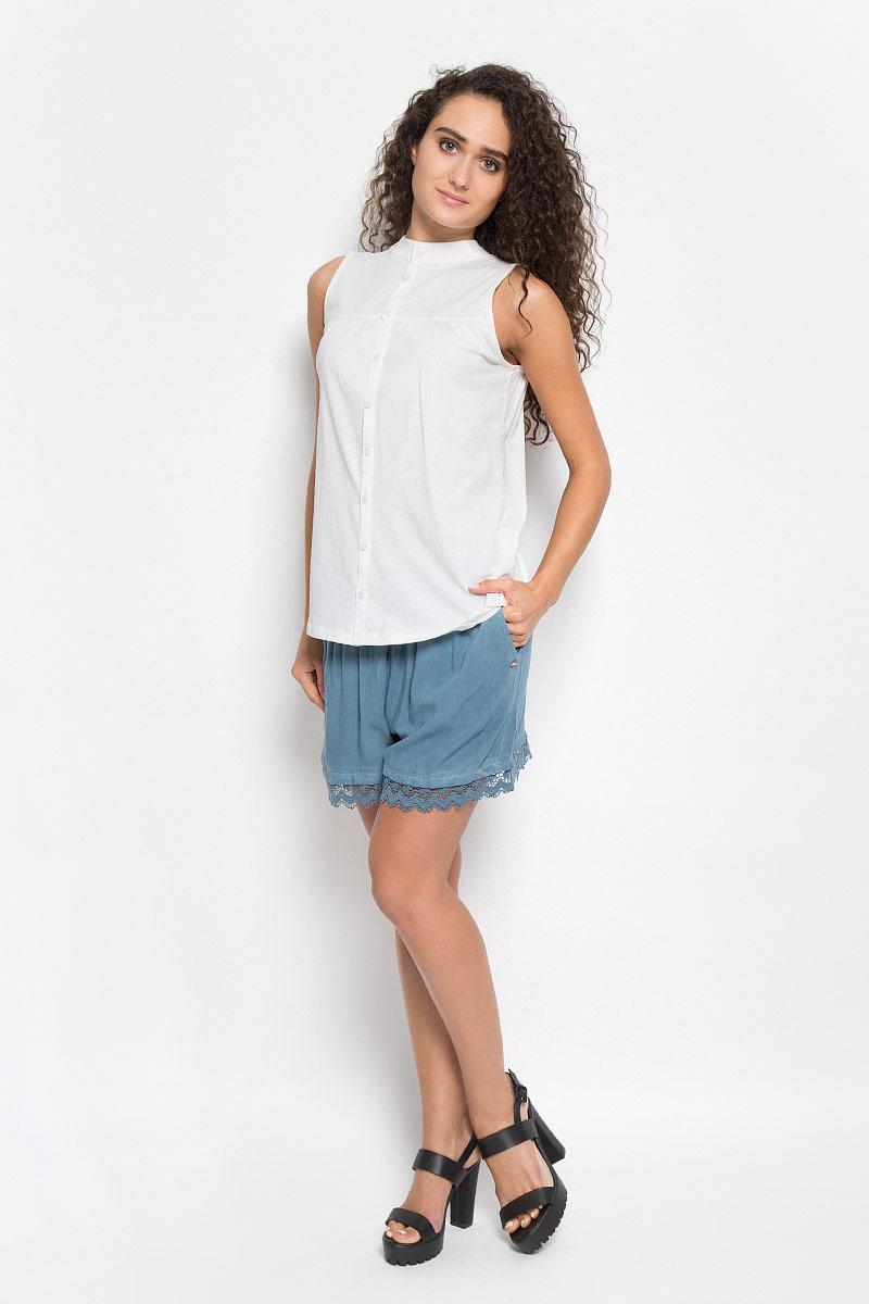 Футболка женская. 1035526.00.711035526.00.71_4489Стильная женская футболка Tom Tailor Denim, выполненная высококачественного хлопка, обладает высокой теплопроводностью, воздухопроницаемостью и гигроскопичностью, позволяет коже дышать. Модель без рукавов и стильной горловиной. Изделие спереди дополнено тканевыми вытачками, горловина украшена гипюровыми полосками. По спинке оформлены пуговицы- застежки. Такая футболка станет стильным дополнением к вашему гардеробу, она подарит вам комфорт в течение всего дня!